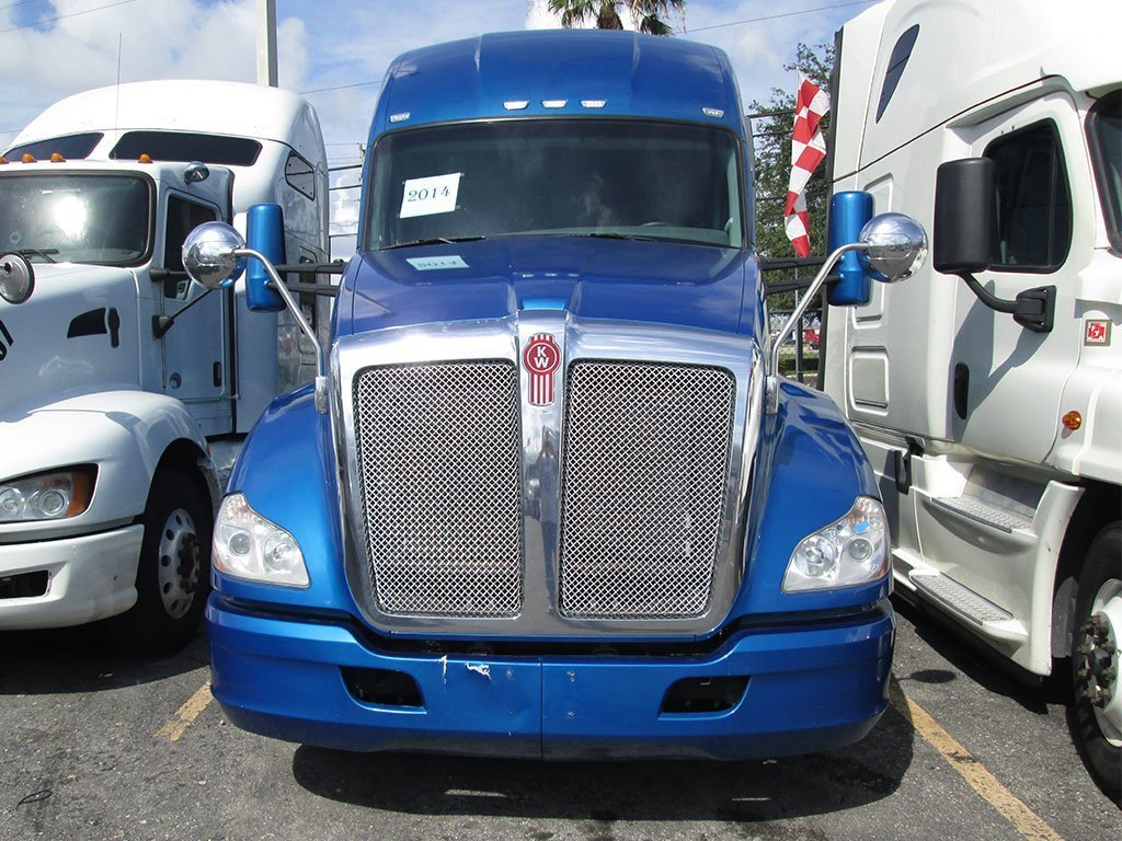 Kenworth sleeper truck